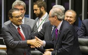 15041563-300x189 Henrique Alves apresentou Eduardo Cunha como referência para abrir conta na Suíça