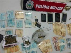 16994336280003622710000-300x225 Trio é preso suspeito de roubar R$ 50 mil de posto; frentista é um dos detidos