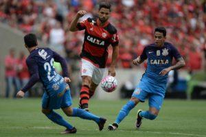 20161023190920_0-300x200 Flamengo e Corinthians empatam na volta do Maraca