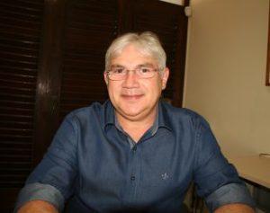 Tota-Guedes-310x245-300x237 Queda de Braço: Em meio a polêmicas, Tota Guedes tenta reeleição na Famup hoje