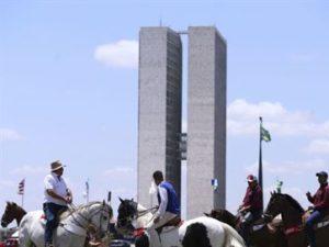 eu-apoio-vaquejada-300x225 Apoiadores de vaquejada seguem para Brasília e comboio tem 500 caminhões