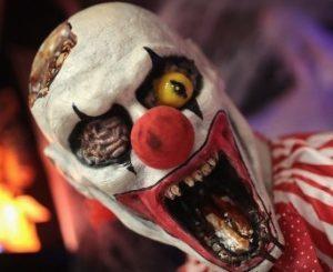fantasia-de-palhaco-macabro-halloween-2016-1477401590056_300x300-300x245-300x245 Adolescentes esfaqueiam palhaço assustador na Alemanha