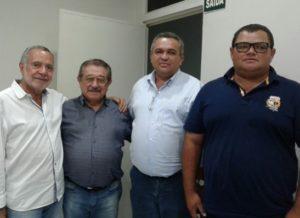 timthumb-3-1-300x218 Carlos Batinga sai em defesa dos produtores de leite da Paraíba