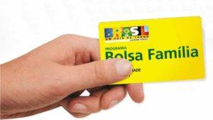 1427917140674-bolsa-familia-300x169 Mais de 400 beneficiários do Bolsa Família na PB tiveram repasse bloqueado após doações eleitorais