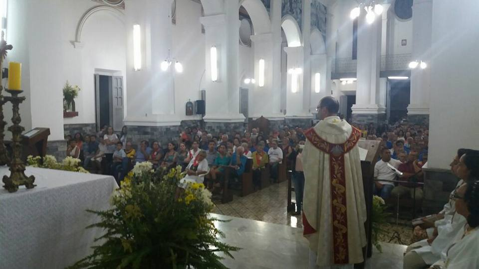 14962563_606932832839103_1482724206586749115_n Missa encerra o Ano Santo da Misericórdia com fechamento da Porta Santa em Monteiro