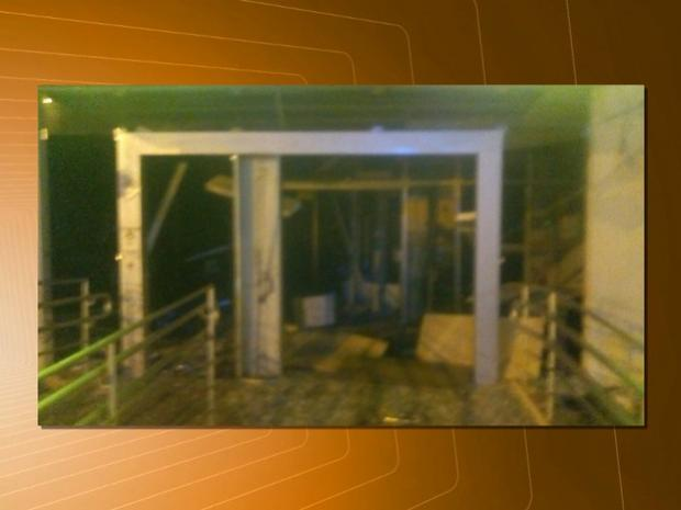16112016072811-300x225 Grupo explode caixas eletrônicos e homem é baleado na ação, na Paraíba