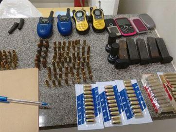 17031636280003622710000-300x225 PF e PM apreendem 20 kg de crack e material bélico com suspeito de tráfico, em CG