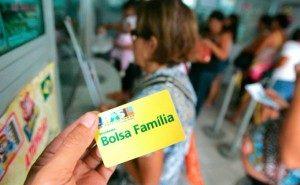 BOLSA-FAMÍLIA-681x421-300x185-300x185 MPF identifica 43 mil benefícios do Bolsa Família suspeitos na Paraíba