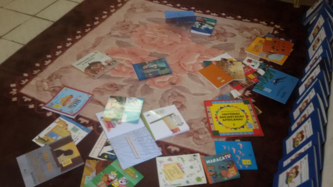 """livros-1-1024x575 Escola I.E.J.P.N Realiza Projeto """"""""Feira de Leitura e Escrita"""" em Monteiro"""