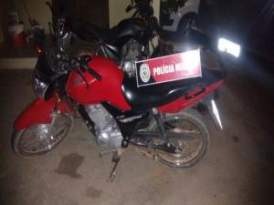 moto-presa-Copy-300x225 Moto com restrição de furto é apreendida em Monteiro