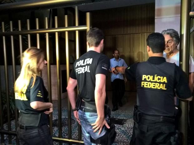 prisao_cabral1-300x225 Cabral é alvo da Lava-Jato acusado de liderar grupo que desviou R$ 224 milhões em contratos de obras