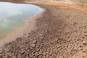 seca-300x200 Reservatórios estão em situação crítica e Açude do Cariri estão praticamente seco