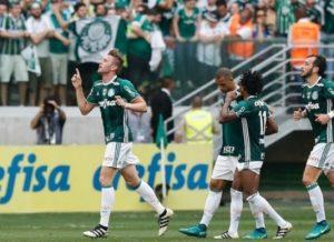timthumb-3-2-300x218 Palmeiras vence, encerra jejum e é campeão brasileiro após 22 anos