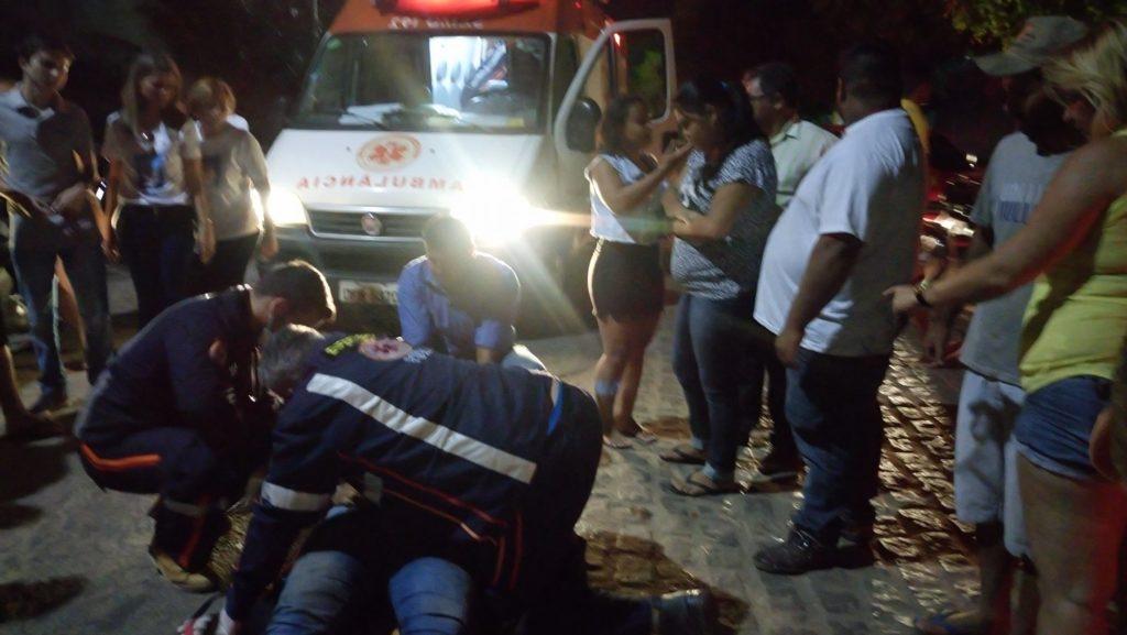 15322328_10208432679917689_1567791673_o-1024x577 Jovem perde controle de moto e fica ferido em Monteiro
