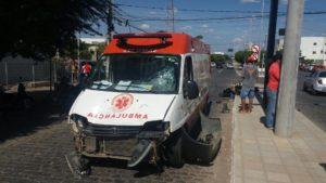 15419399_10208484012000959_1528061301_o-300x169 Em Monteiro: Motociclista fica gravemente ferido após batidaem viatura do Samu