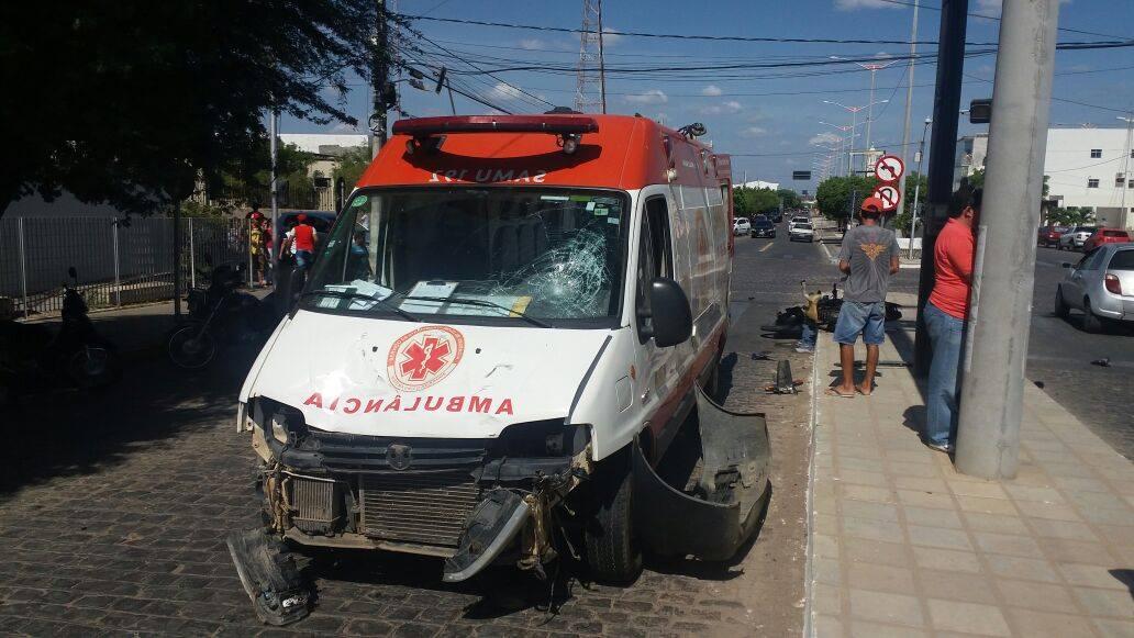 15419399_10208484012000959_1528061301_o Em Monteiro: Motociclista fica gravemente ferido após batidaem viatura do Samu