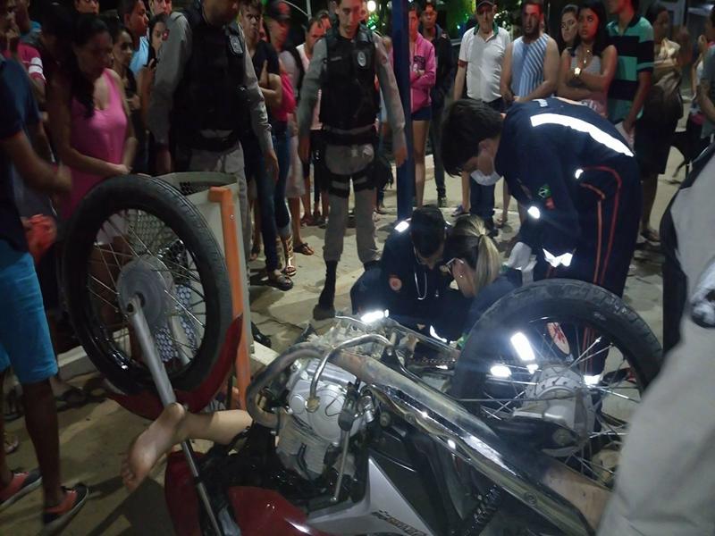 15776454_10208646287377742_253273780_o-Copy Jovem fica gravemente ferida após acidente de moto em Monteiro