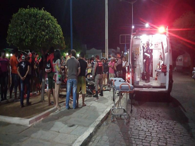 15778485_10208646287137736_885657751_o-Copy Jovem fica gravemente ferida após acidente de moto em Monteiro