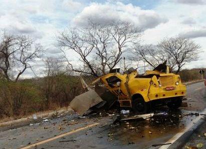 carro_forte Grupo criminoso explode carro forte em rodovia do Sertão da PB