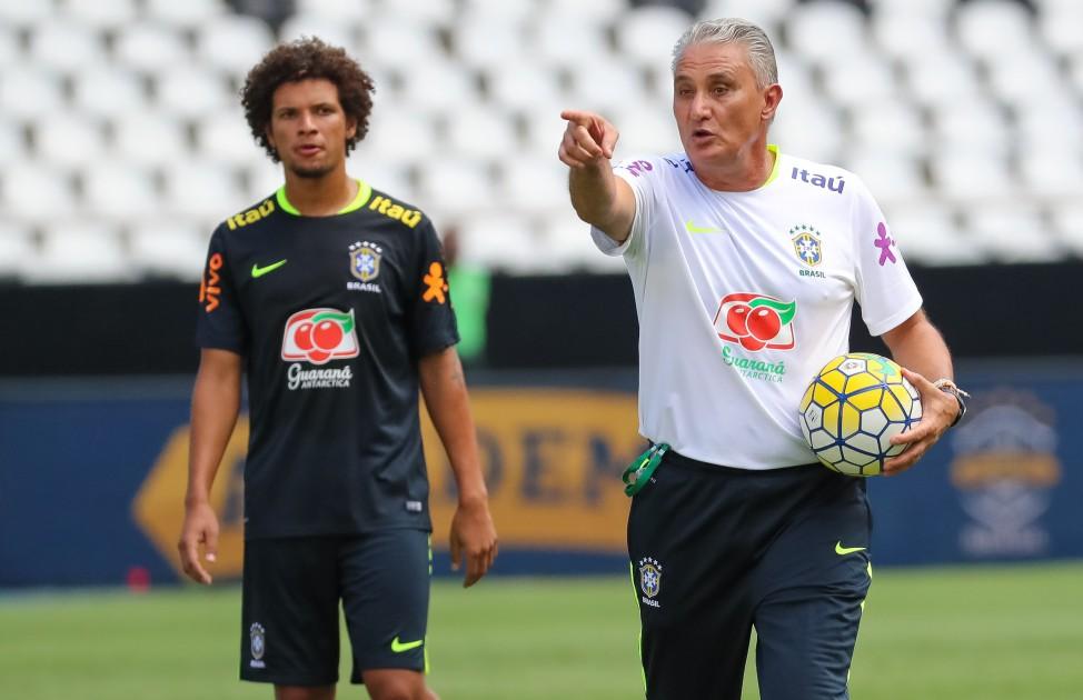 20170124225448_0-1 Seleção faz treino no Estádio Nilton Santos