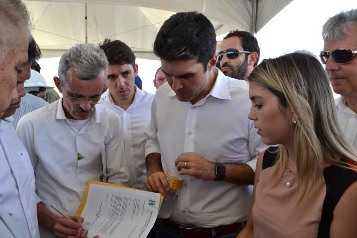 30012017235122 Prefeita de Monteiro acompanha ministro da Integração em visita às obras da transposição