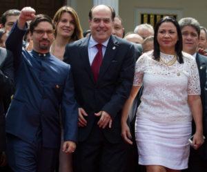 maduro-300x249 Legisladores da Venezuela declararão 'abandono de cargo' por Maduro