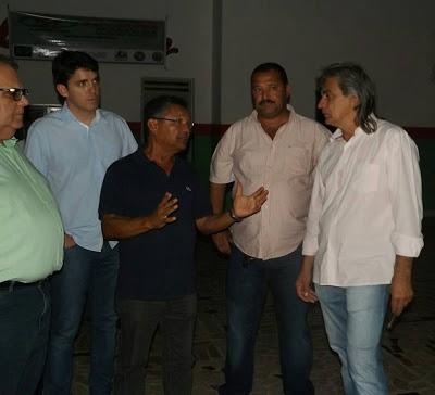 r Amparo recebe visita dos deputados Tovar Correia Lima (PSDB) Rômulo Gouveia (PSD) e do diretor dos Correios/PB