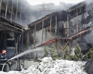 romania-nightclub-fir-fran Incêndio em casa noturna deixa 40 feridos na Romênia
