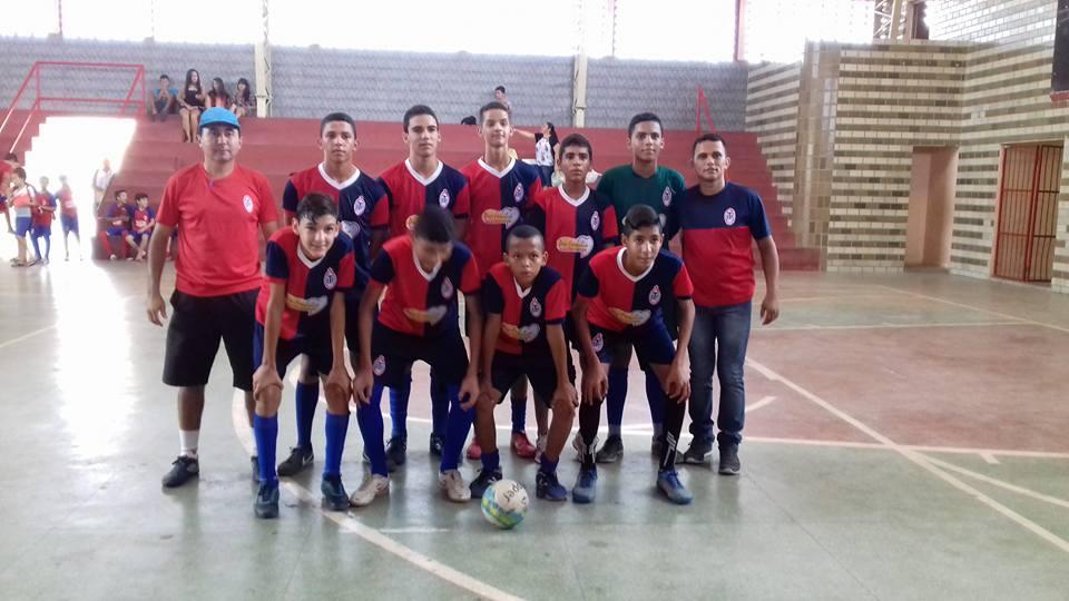 16681834_1556426381064595_2755777958725360392_n Escolinha de Futebol Tiradentes joga amistosos em Sumé