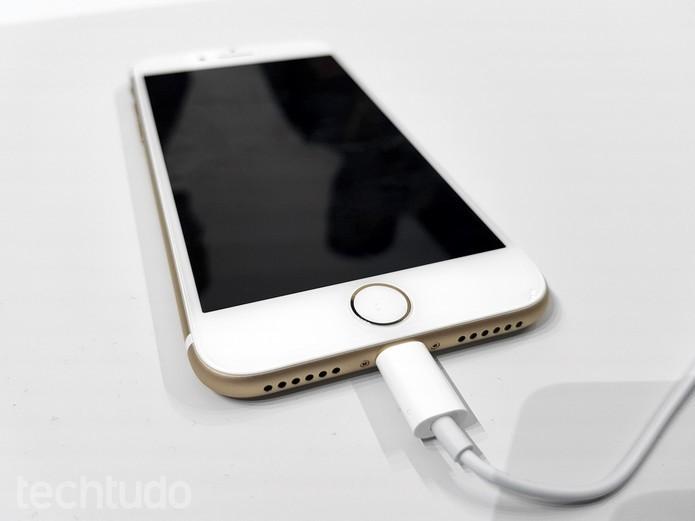 5bateria-do-iphone-7-dura-ate-2-horas-a-mais-do-que-iphone-6s-300x225 Como ativar o modo de economia de energia no iPhone 7 e 7 Plus