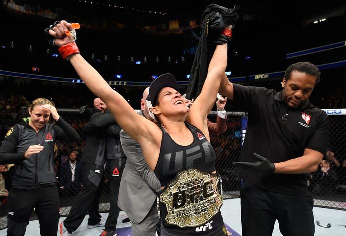 """amanda Em visita a Monteiro Amanda """"leoa"""" Nunes campeã mundial do UFC recebe título de cidadã monteirense"""