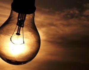 energia-310x245-300x237 Conta de luz terá extra de R$ 2 a cada 100 kWh em março