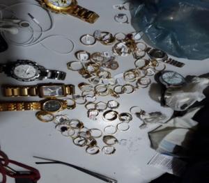 joias-em-monteiro-Copy-300x263 Dois homens são presos em Monteiro com joias e relógios sem Nota Fiscal