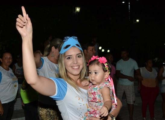 timthumb-14-2 Prefeita Lorena participa dos desfiles de blocos carnavalescos em Monteiro