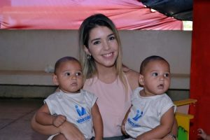 28032017171832-300x200 Prefeita de Monteiro entrega material didático e crianças ganham fardamento