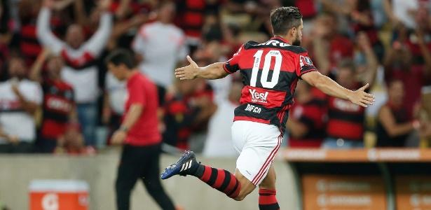 diego-brilhou-na-estreia-do-flamengo-na-libertadores-1489026813926_615x300 Diego brilha, e Flamengo supera pressão da estreia com goleada na Libertadores; assista