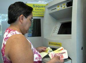 dienhiro-300x218 Prefeitura de Monteiro paga salário de março aos servidores municipais nesta sexta-feira
