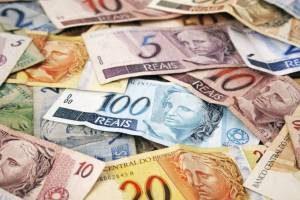 dinheiro1-1-300x200 Mais de R$ 80,4 milhões de FPM é creditado nas contas das prefeituras paraibanas nesta quinta