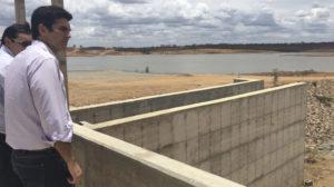 eixo-leste_ministro-300x168 Helder Barbalho garante que água do Velho Chico chega à Paraíba no próximo sábado