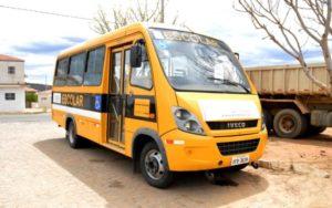 onibus-escolar-300x188 Prefeitura Municipal de Zabelê investe mais 90 mil reais em melhorias