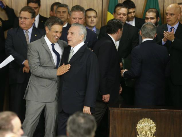 temer-e-aecio-300x227 Em alegações finais ao TSE, PSDB isenta Temer de responsabilidade
