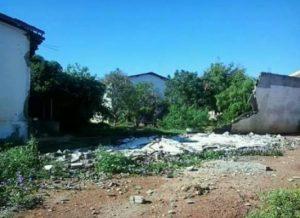 17042017131208-300x218 Muro de escola estadual cai e aulas são suspensas em Monteiro