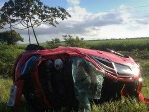 17472536280003622710000-300x225 Homem morre ao bater carro em traseira de caminhão e capotar várias vezes na Grande JP