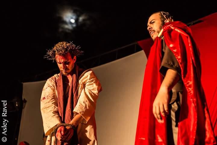 17523156_1518132254886166_7532612169799784254_n Imagens da primeira noite de apresentação do espetáculo da Paixão de Cristo 2017 em Monteiro