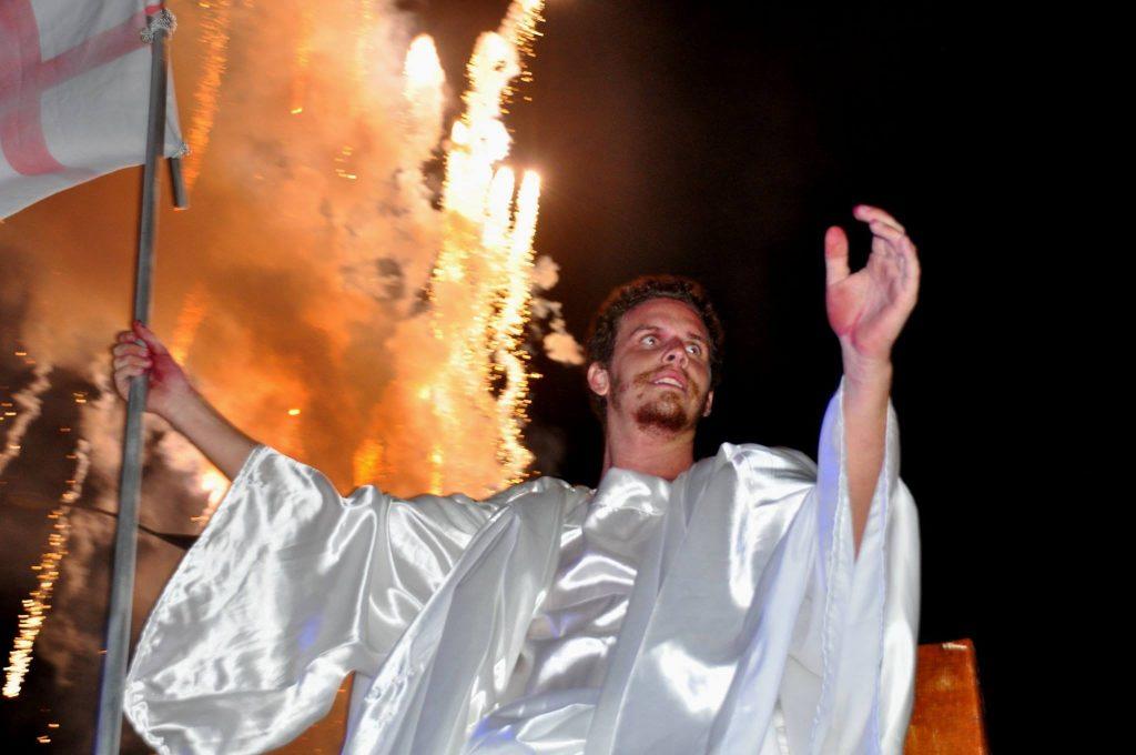 17814435_1863832827223241_6292907045600576742_o-1024x680 Mais Imagens da primeira noite de apresentação do espetáculo da Paixão de Cristo 2017 em Monteiro