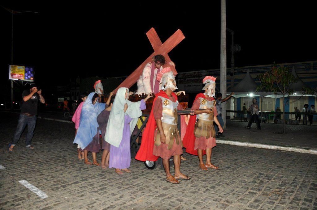 17854673_1863832003889990_1041087482518806678_o-1024x680 Mais Imagens da primeira noite de apresentação do espetáculo da Paixão de Cristo 2017 em Monteiro