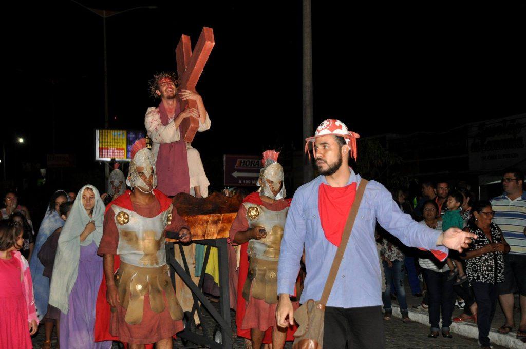 17880628_1863832093889981_3292540562741624939_o-1024x680 Mais Imagens da primeira noite de apresentação do espetáculo da Paixão de Cristo 2017 em Monteiro