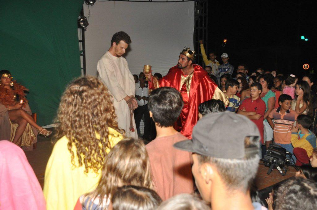 17917123_1863831753890015_2992143674929536999_o-1024x680 Mais Imagens da primeira noite de apresentação do espetáculo da Paixão de Cristo 2017 em Monteiro