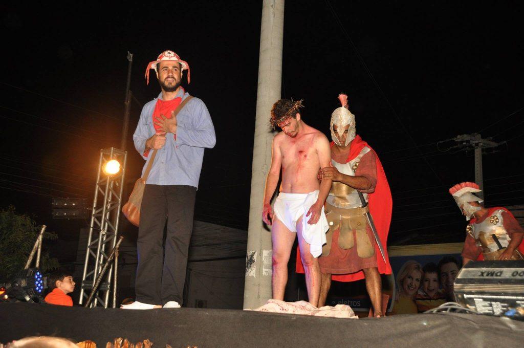 17966337_1863832443889946_489303773611636841_o-1024x680 Mais Imagens da primeira noite de apresentação do espetáculo da Paixão de Cristo 2017 em Monteiro