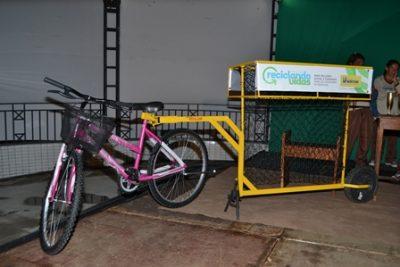 DSC_1742-400x267 Prefeitura de Monteiro lança programa Reciclando Vidas e entrega kits para catadores do município